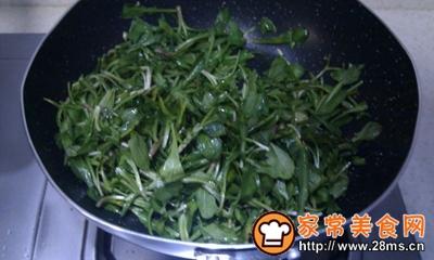 马兰头炒金针菇
