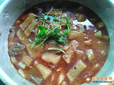 汤汁勺萝卜