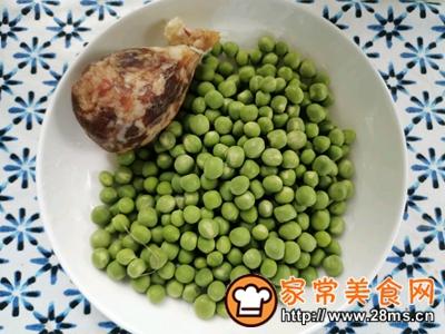 做正宗豌豆炒香肚的图片步骤1