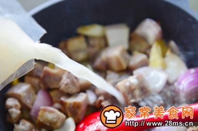 做正宗米酒菌菇炖牛腩的图片步骤9