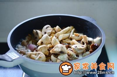 做正宗米酒菌菇炖牛腩的图片步骤11