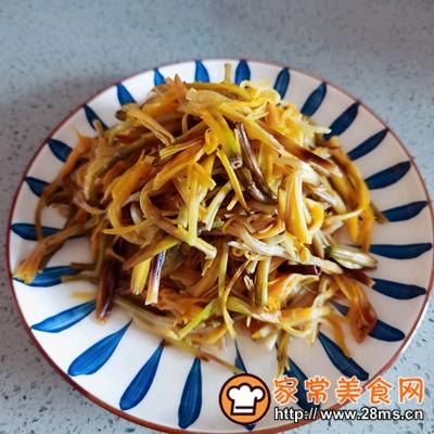 做正宗黄花菜炒肉的图片步骤3