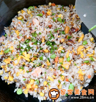 做正宗五彩虾仁炒饭的图片步骤4