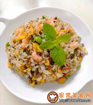 做正宗五彩虾仁炒饭的图片步骤5