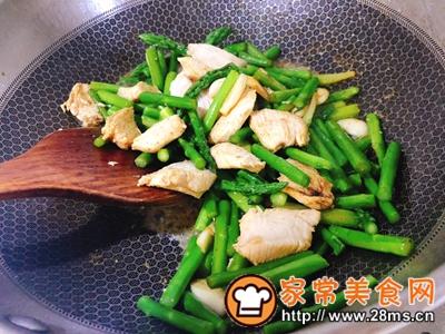 做正宗芦笋炒鸡胸肉的图片步骤8