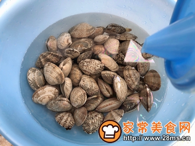 做正宗干锅粉丝蛤蜊的图片步骤1