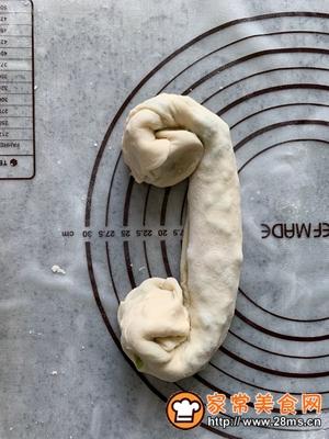 做正宗香香脆脆葱油饼的图片步骤17