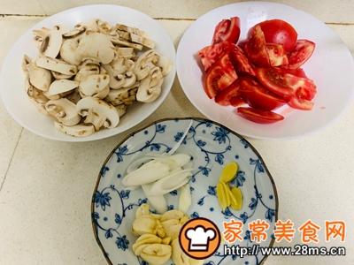 做正宗番茄炒蘑菇的图片步骤2