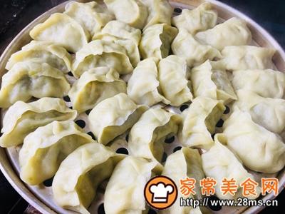 做正宗家庭版猪肉芹菜蒸饺的图片步骤15