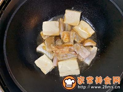 做正宗鲈鱼炖豆腐的图片步骤9