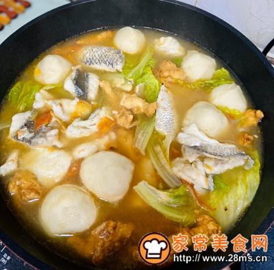 做正宗西红柿鱼丸野生鱼汤的图片步骤7