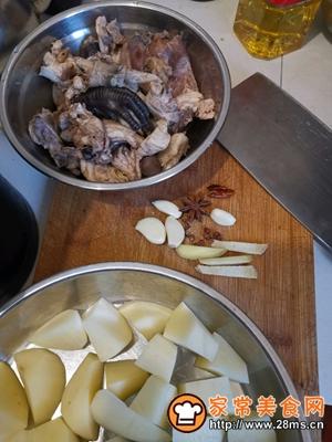 做正宗鸡肉炖土豆的图片步骤1