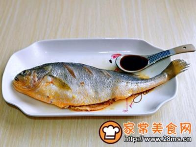 做正宗柠香蒸黄鱼的图片步骤5