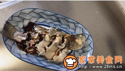 做正宗最适合宝宝吃的清蒸鲈鱼的图片步骤6