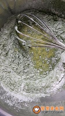 做正宗青汁戚风蛋糕卷的图片步骤2