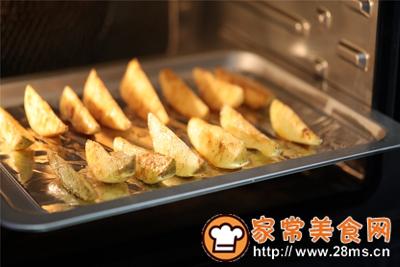 做正宗台式蒸烤箱:椒盐薯角的图片步骤7