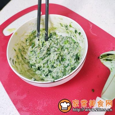 做正宗宝宝辅食:虾仁菠菜挤挤面的图片步骤3