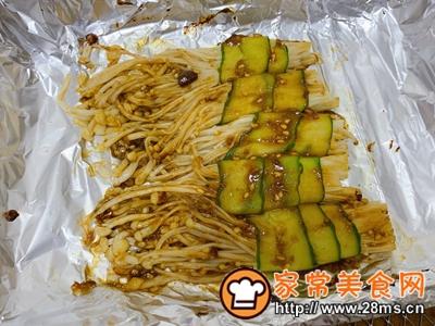 做正宗黄瓜金针菇卷的图片步骤6