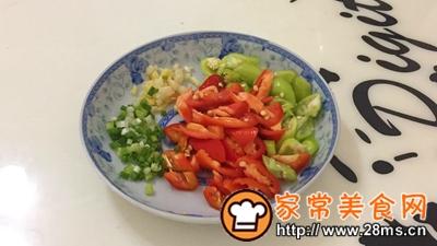 做正宗湘西特色:枞菌炒肉的图片步骤4