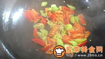 做正宗湘西特色:枞菌炒肉的图片步骤7