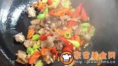 做正宗湘西特色:枞菌炒肉的图片步骤8