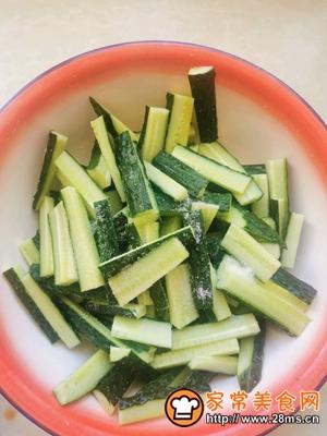做正宗家庭版爽口腌黄瓜的图片步骤2