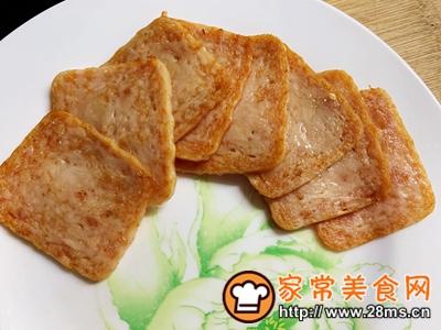 做正宗超快手早餐:肉松午餐肉玉米粒三明治的图片步骤3