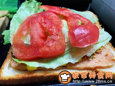 做正宗超快手早餐:肉松午餐肉玉米粒三明治的图片步骤10