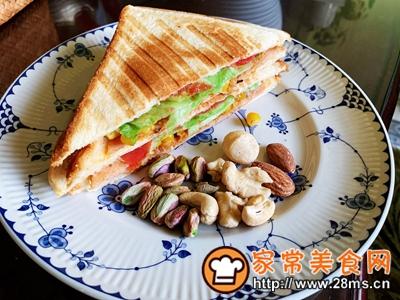 做正宗超快手早餐:肉松午餐肉玉米粒三明治的图片步骤14