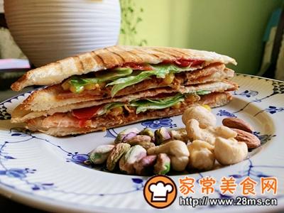 做正宗超快手早餐:肉松午餐肉玉米粒三明治的图片步骤16