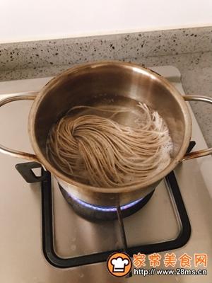 做正宗黑椒牛柳荞麦面便当的图片步骤3