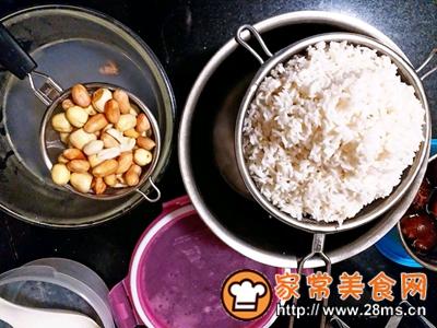 做正宗莲子花生肉粽的图片步骤7