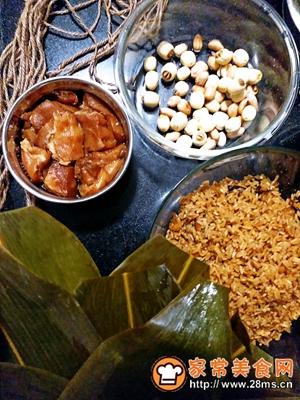 做正宗莲子花生肉粽的图片步骤11