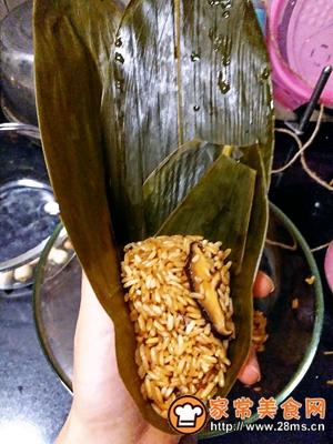 做正宗莲子花生肉粽的图片步骤14
