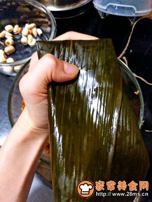 做正宗莲子花生肉粽的图片步骤24