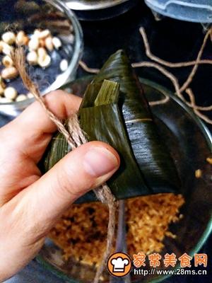 做正宗莲子花生肉粽的图片步骤26