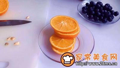 做正宗乌龙蜜桃仙女饮的图片步骤2