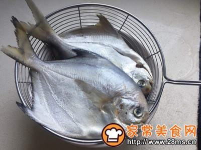 做正宗清蒸鲳鱼的图片步骤2