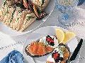 鲑鱼鱼子酱三明治