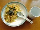黄金咸鱼鸡粒甘梅炒饭