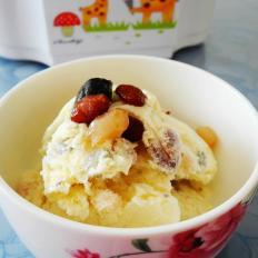 蜜豆鲜奶冰淇淋