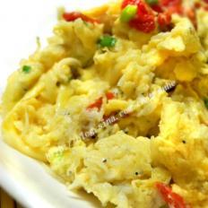 银鱼枸杞香葱炒蛋