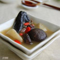 香菇山药炖乌鸡