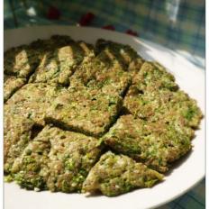 芹菜叶豆渣芝麻煎蛋饼