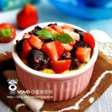草莓枣糕布丁
