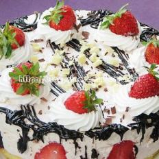 草莓慕丝蛋糕