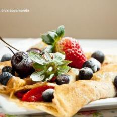 法式可丽饼配鲜莓果