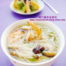 翡翠鲜虾玉米浓汤