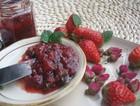 玫瑰草莓果酱