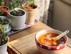 桂圆桃胶南果梨汤